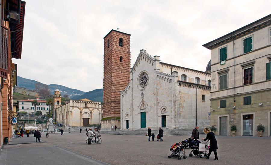 wine tour adventure - tuscany - pietrasanta